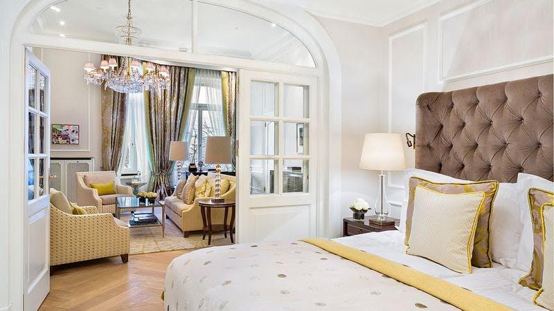 Die Alster Suite im Hotel Vier Jahreszeiten in Hamburg