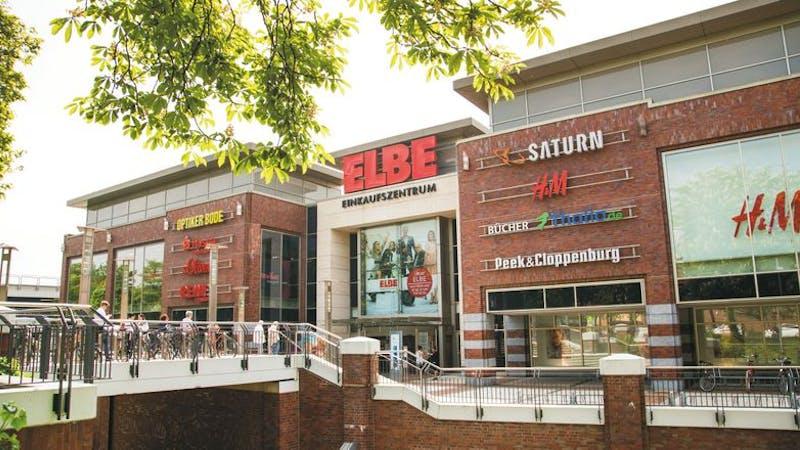 Der Eingangsbereich des Elbe Einkaufszentrums in Hamburg