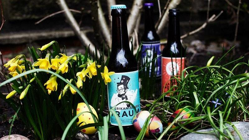 Bierflaschen der Landgang-Brauerei mit Oster-Deko
