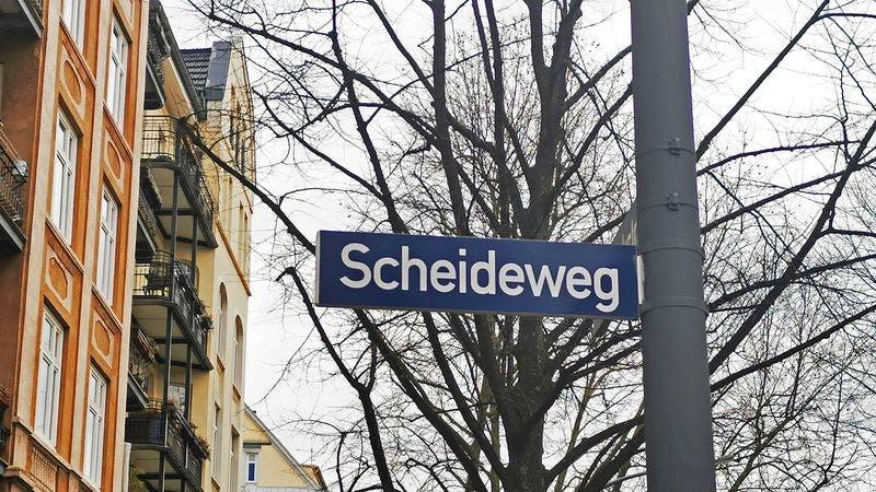 Straßenschild Scheideweg Hamburg