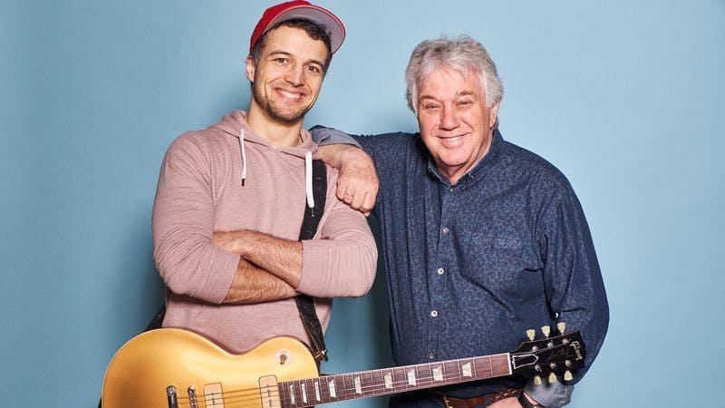 Sänger Simon sagt mit Rolf Zuckowski