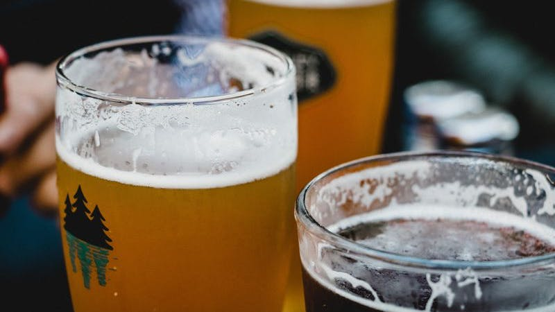 Bier, Bar, Symbolbild