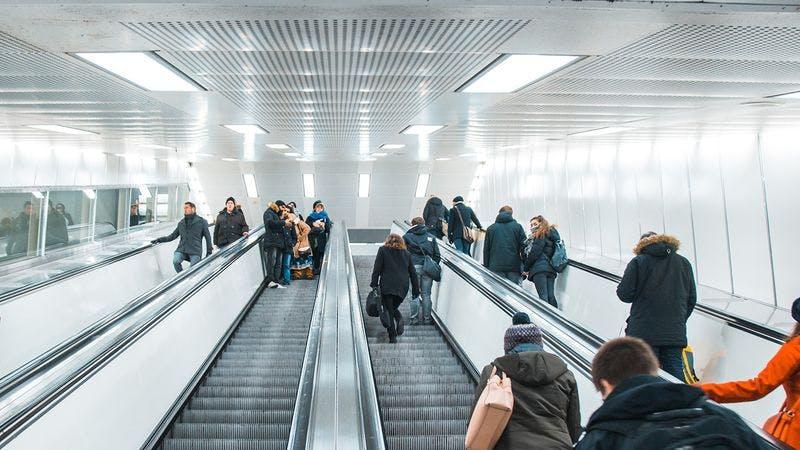 Rolltreppen im Bahnhof Jungfernstieg