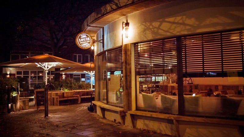 Louis Kitchen Bar