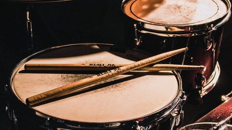 Drums, Schlagzeug, Musik, Konzert, Symbolbild
