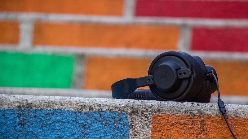 Kopfhörer Symbolbild