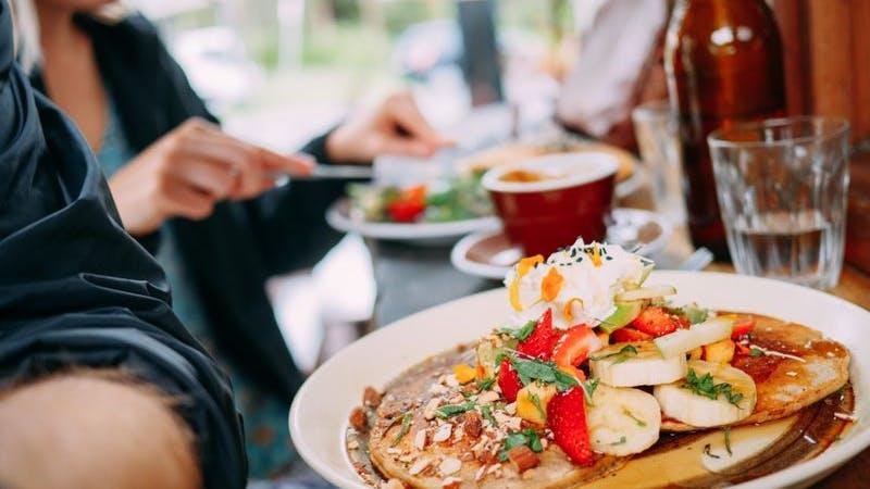 Draußen frühstücken in Hamburg