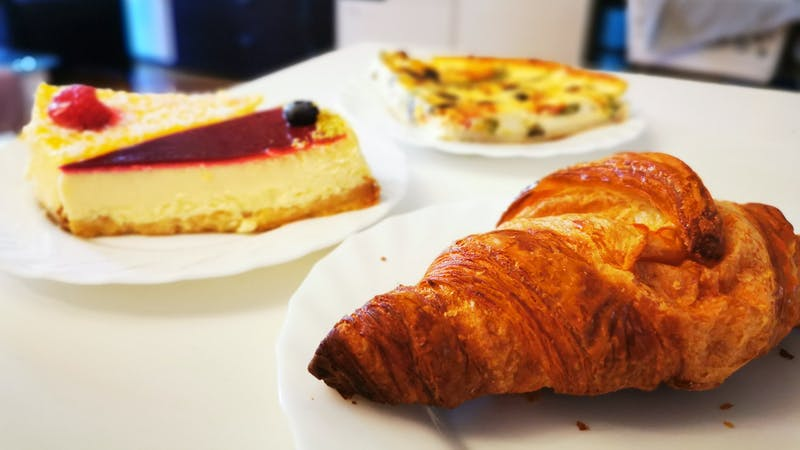 Croissant, Kuchen und Quiche aus der Boutique du par ici