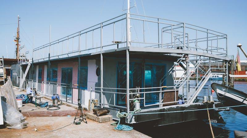 Das alte Hausboot von Gunter Gabriel wird renoviert