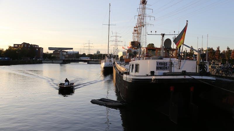 Hotelschiff Kanal 77 im Museumshafen Harburg