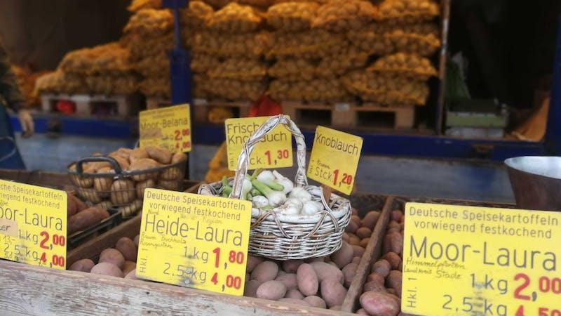 Wochenmarkt Niendorf Kartoffelstand