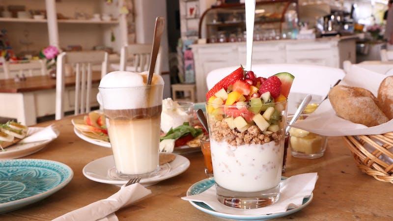 Frühstück im Café LilliSu