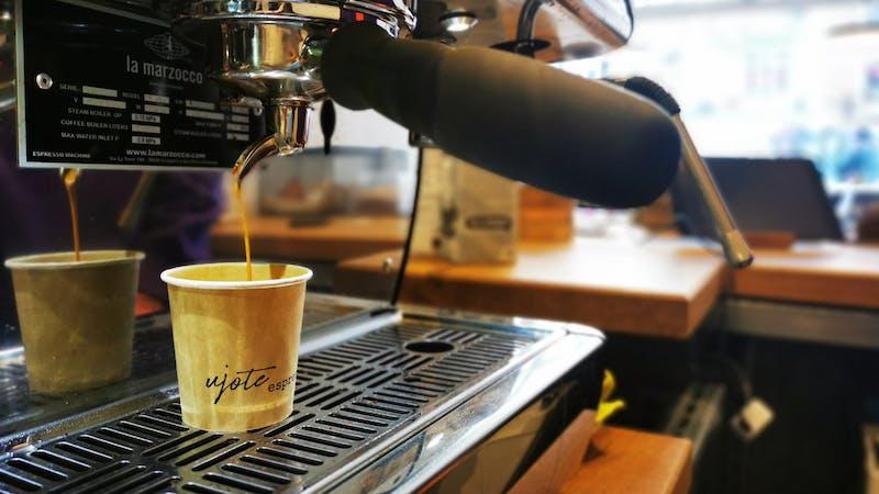 Kaffeeproduktion bei ujote espresso