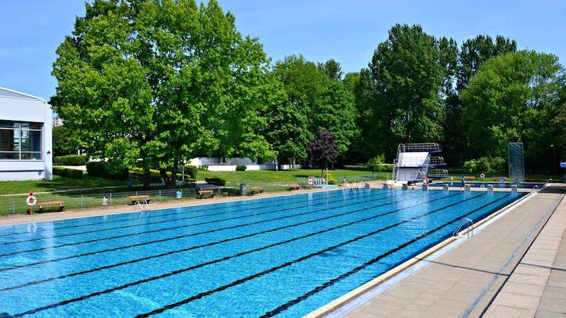 Schwimmbecken im Freibad Billstedt