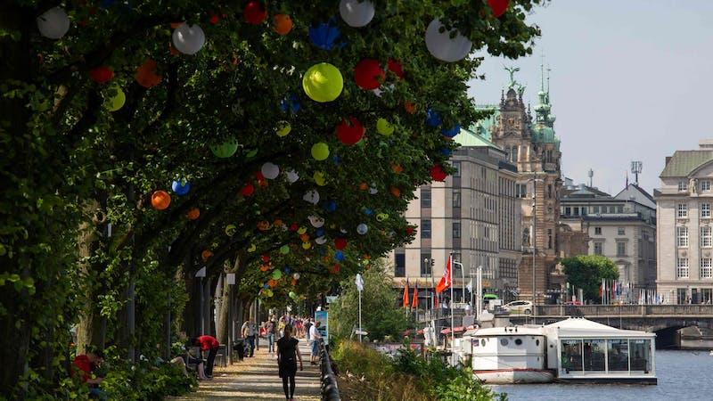 Hamburgs Sommergärten, Ballindamm, Alster