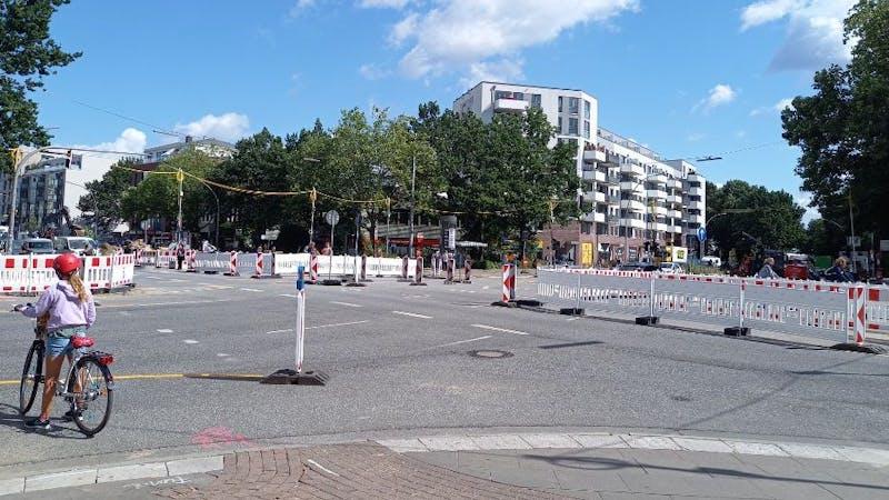 Umbau Kreuzung Max-Brauer-Allee Holstenstraße