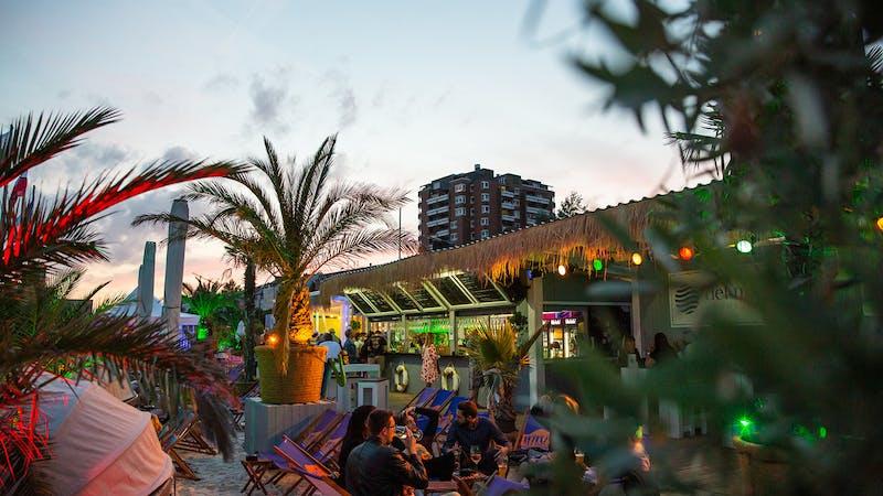 Abendstimmung im Beachclub Hamburg Del Mar