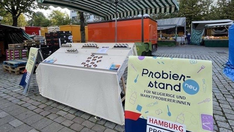 Probierstand auf dem Wochenmarkt Billstedt
