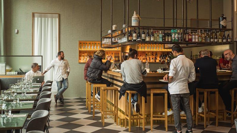 Bar im Berliner Bahnhof in Hamburg