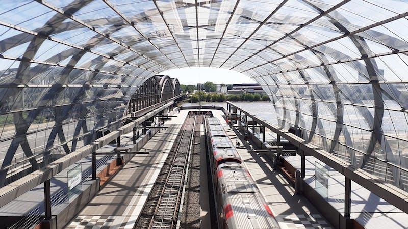 U- und S-Bahnhof Elbbrücken